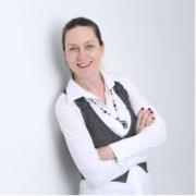 Porträt der Dozentin Tanja Kräwinkel